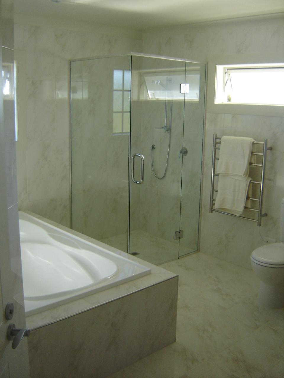 Bawden Rd Shower