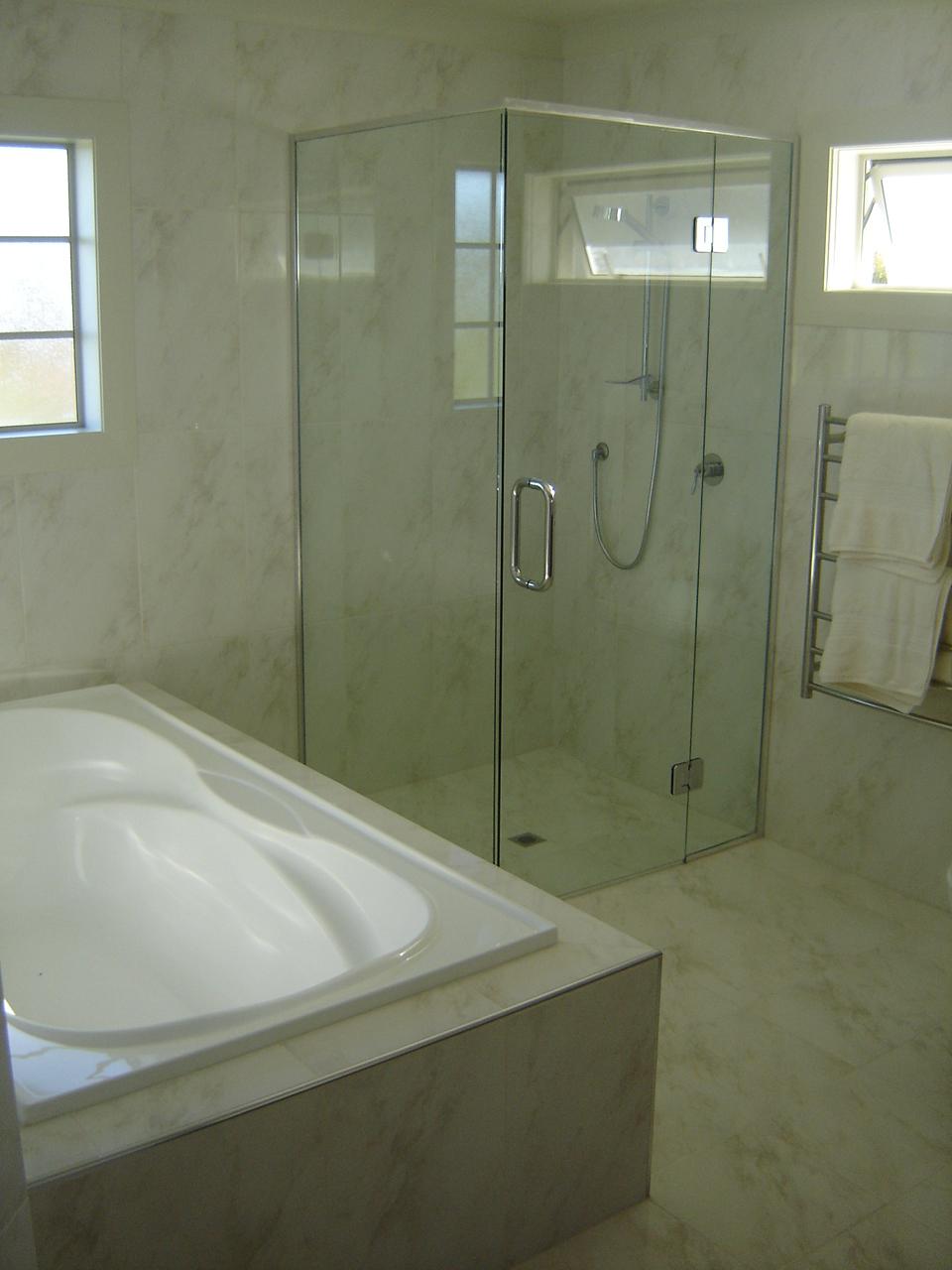 Bawden Rd Shower4